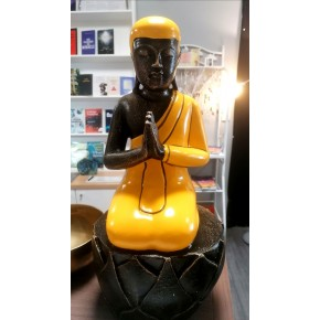 Bouddha priant sur lotus -...