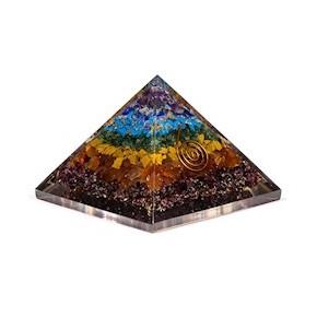 Pyramide d'Orgonite 7 Chakra